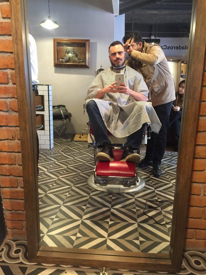 Salvador Nuñez: TONES en la Barbería