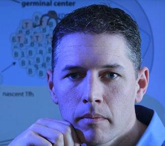 Shane Crotty, profesor del La Jolla Institute for Allergy & Immunology, quien actualmente trabaja en una vacuna contra el VIH.