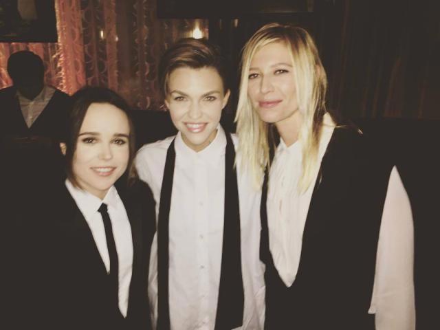 Ellen Page con Ruby Rose y Samantha Thomas