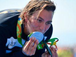 Rachele Bruni le dedica la plata olímpica a su novia