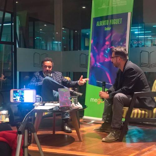Conferencia de Alberto Fuguet. / FOTO: libletter.blogspot.com.co