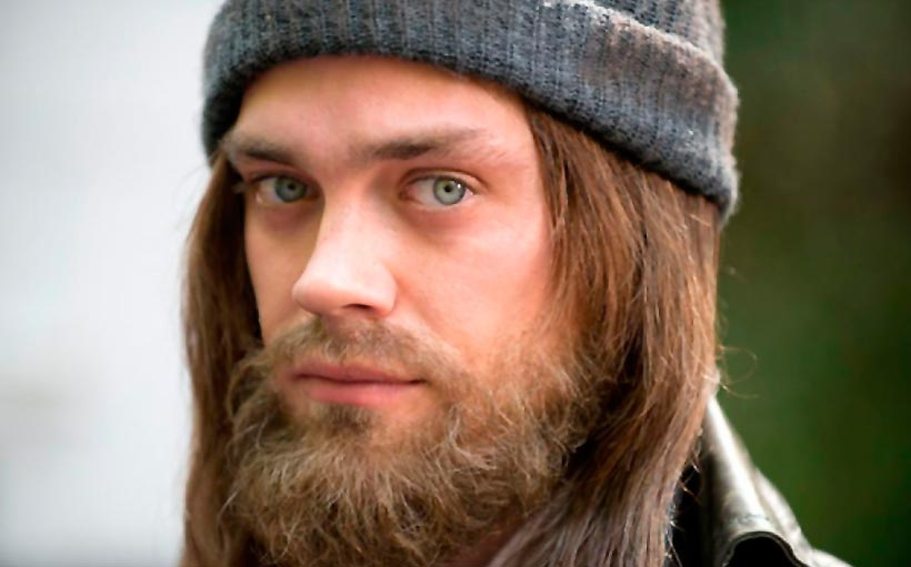 Tom Payne confirma que Jesús es gay en The Walking Dead