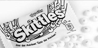 Skittles abandona sus colores en honor del orgullo Lgbt