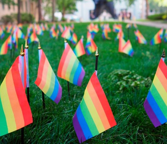 Corte Constitucional protege derechos a mujer transgénero
