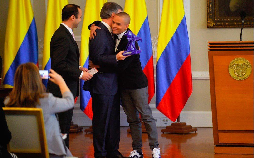Iniciativa LGBT de Medellín gana Premio Nacional de Voluntariado 2017