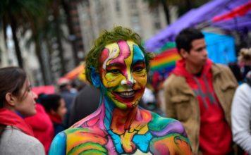 Uruguay hace preparativos para semana de arte trans