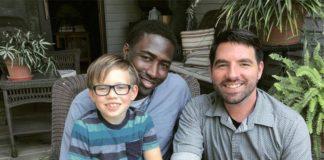 Familia homoparental se hace cargo de más de 9 niños