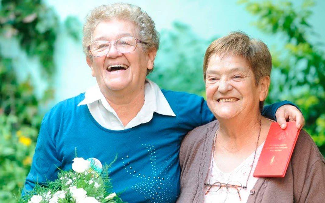 Dos-parejas-de-abuelos-hablan-del-reconocimiento-gay-en-la-sociedad-actual
