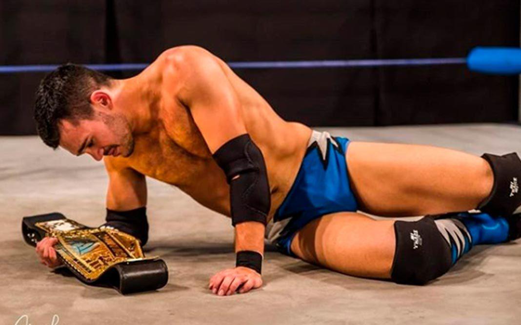 campeón de lucha libre se asume como homosexual